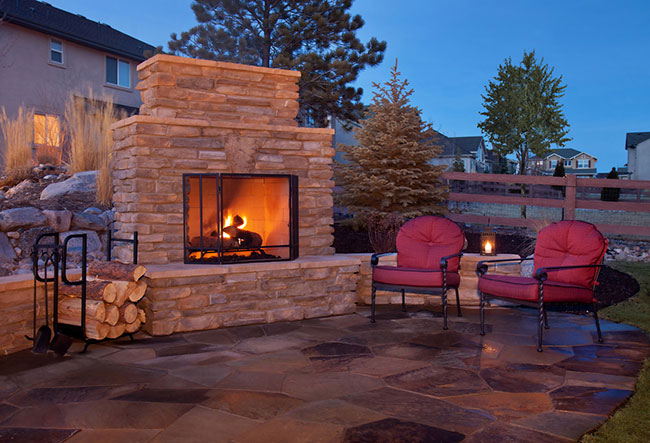 3 Things You Can Enjoy about Outdoor Fireplaces