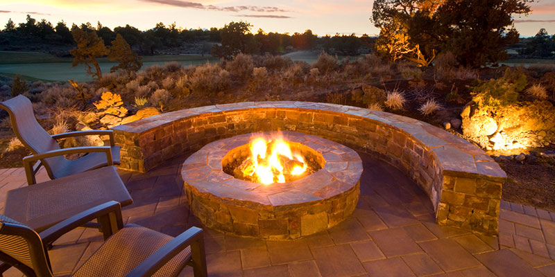 The Do's and Don'ts of an Outdoor Fire Pit