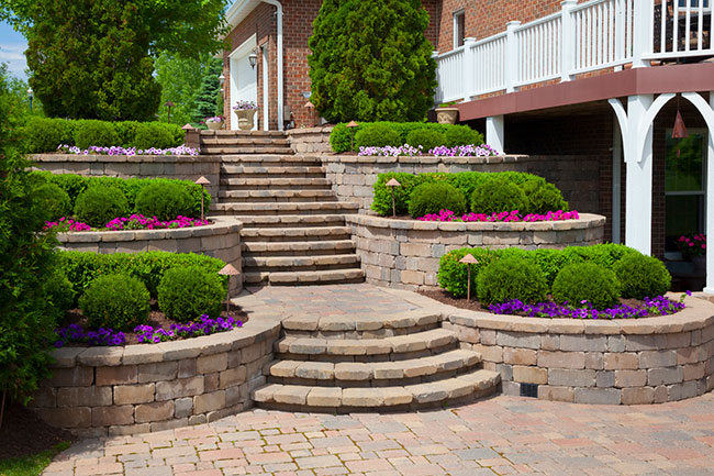 Why Many People are Choosing Brick Pavers